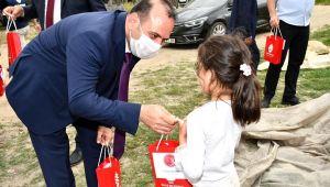 4 bin çocuğa şekerleme torbası