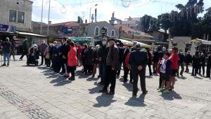 Atatürk'ün Foça'ya gelişinin 87. yılı törenlerle kutlandı