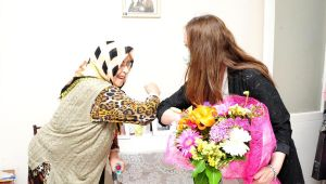 Başkan Çalkaya'dan annelere ziyaret