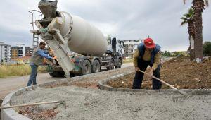 Aliağa Belediyesinin Yeni Mahalle Parkı projesinde imalatlar sürüyor