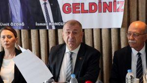 Bağımsız İstanbul milletvekili Ümit Özdağ, İzmir'de temaslarda bulundu